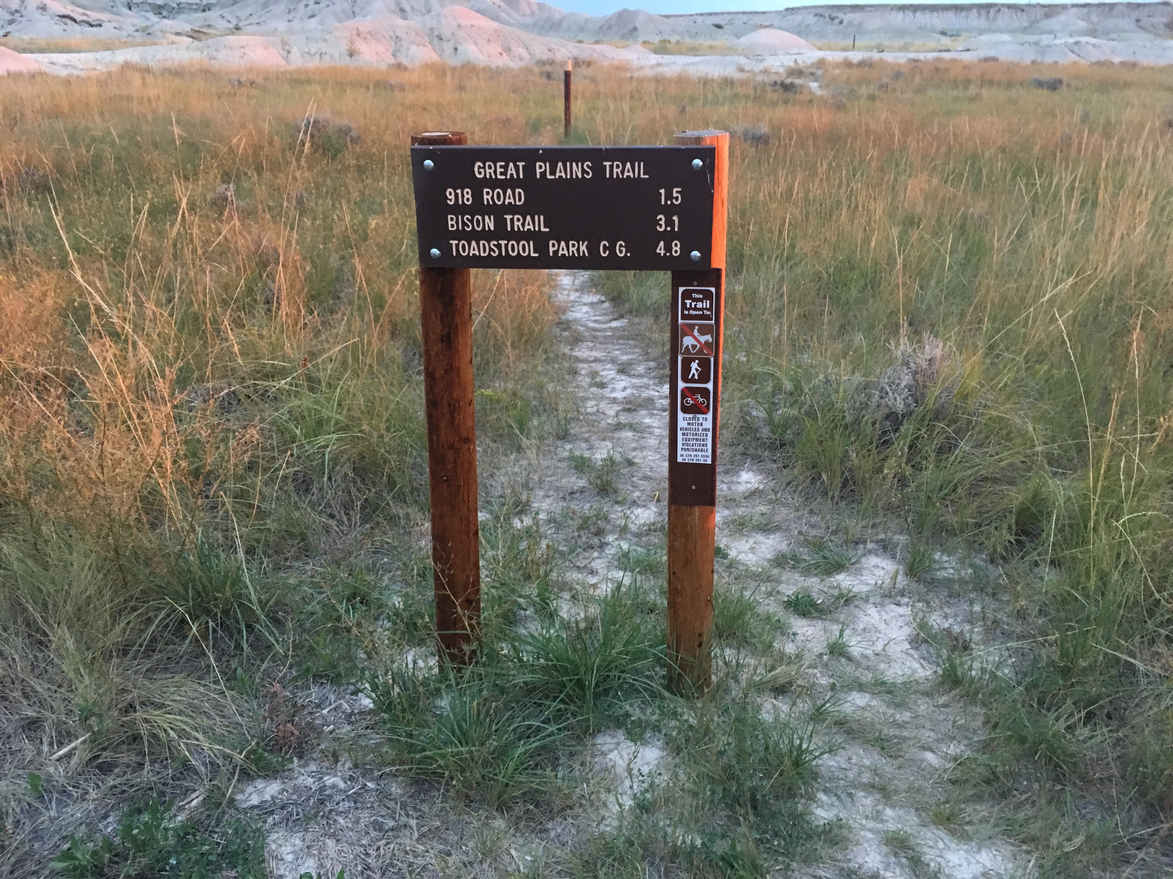 great plains trail toadstool geologic park